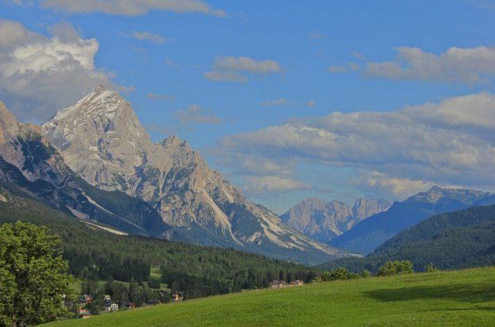 Cortina scenery