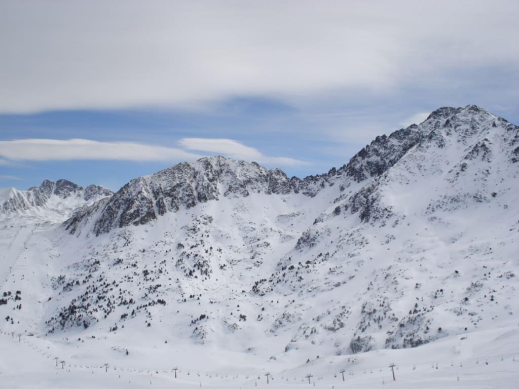 pas-de-la-casa-skiing