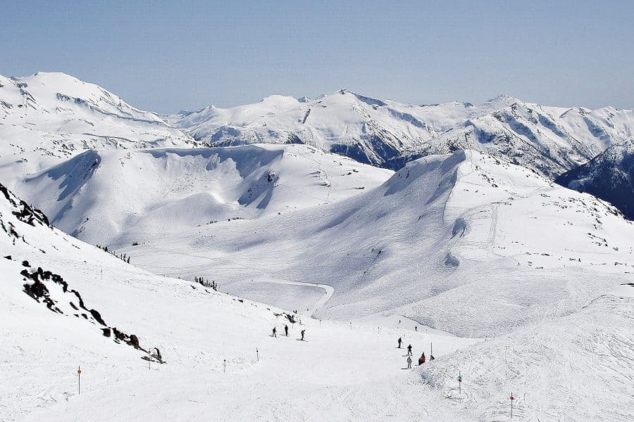 10 Reasons you should go on a ski holiday to Canada