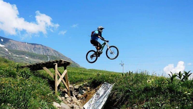 alpe-dhuez-mountain-biking