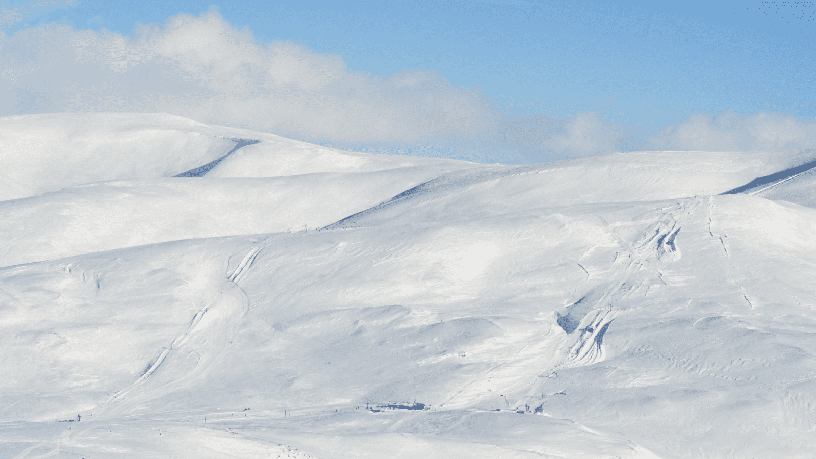 Glenshee Scotland Skiing Ski Transfers Ski-Lifts Ltd